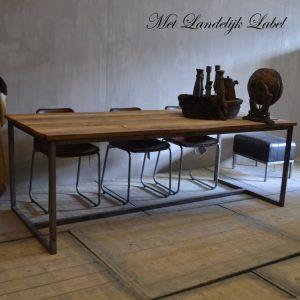 Oude industriële meubels - Industriële eettafel Ellen