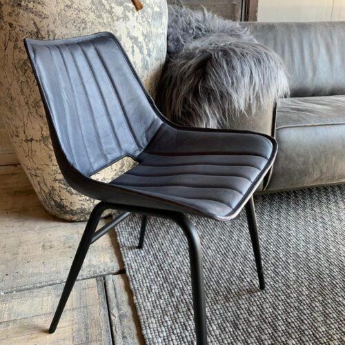 stoel3.jpg